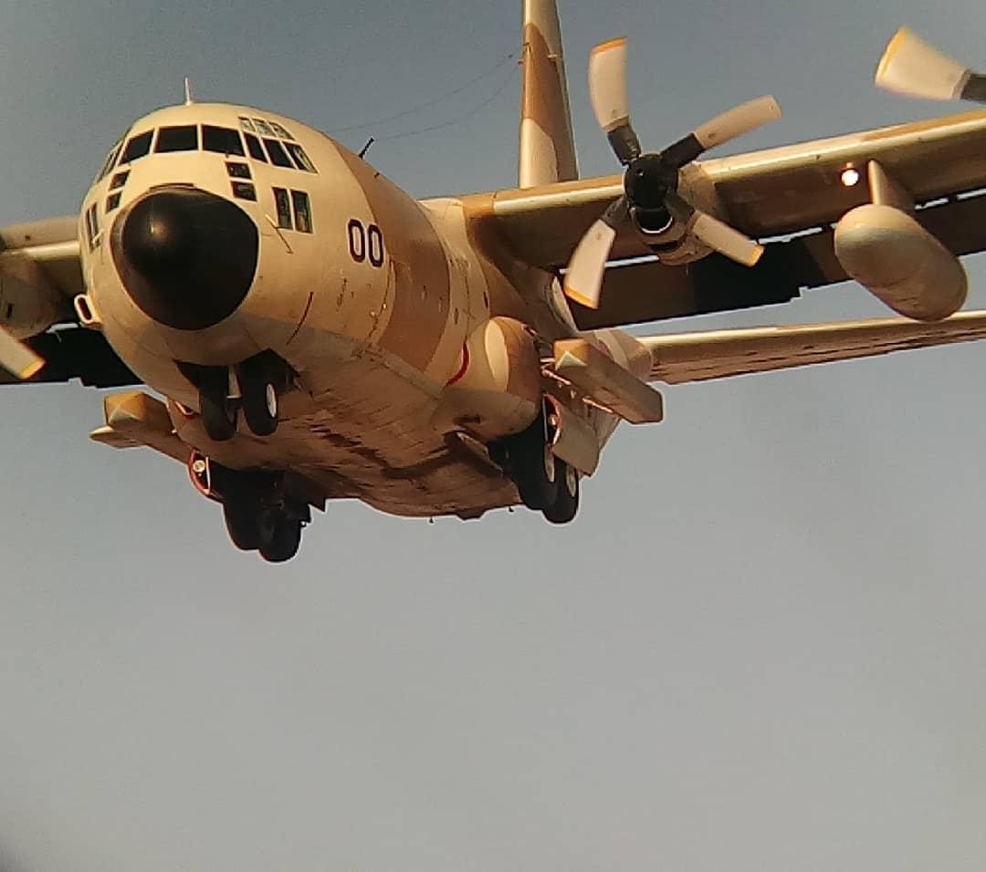 FRA: Photos d'avions de transport - Page 42 Aoo10