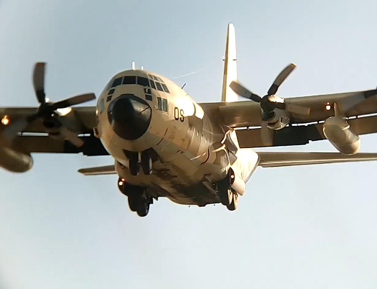 FRA: Photos d'avions de transport - Page 42 Aos10