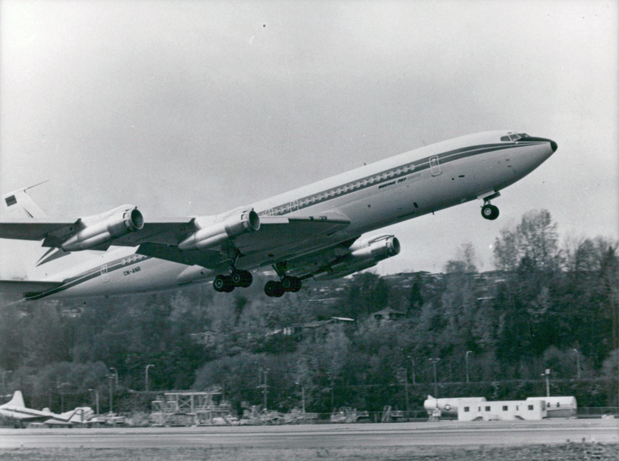 FRA: Photos anciens avions des FRA - Page 13 Clipb146
