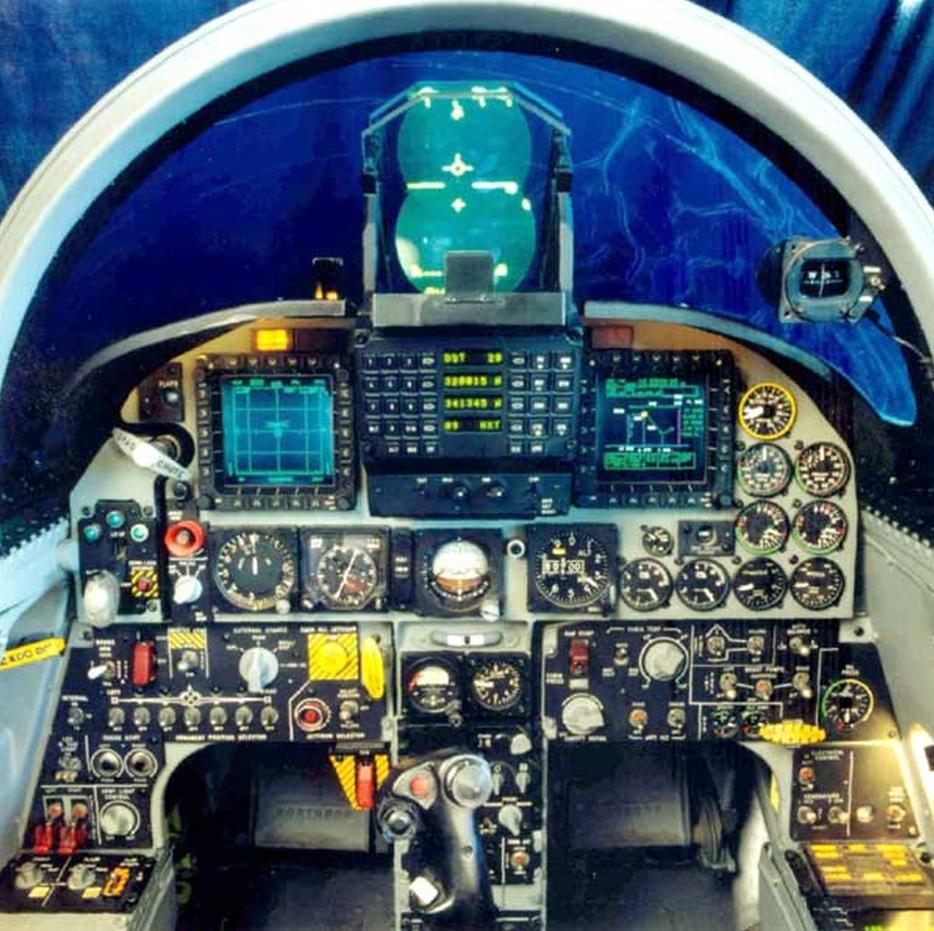 F-5A/B/E et F des FRA / RMAF Northrop F-5 Tiger III - Page 21 Clipb181