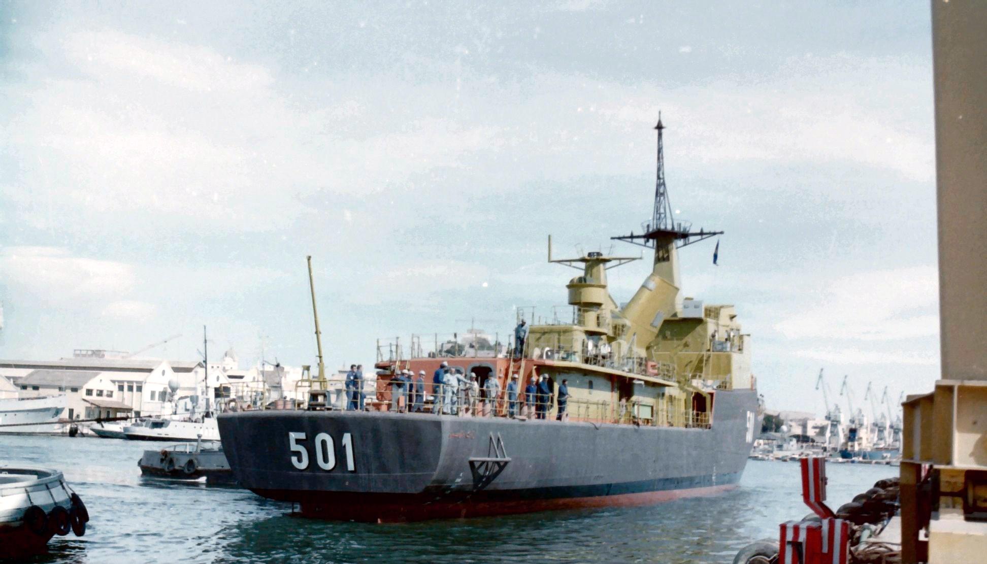 Royal Moroccan Navy Descubierta Frigate / Corvette Lt Cl Errahmani - Bâtiment École - Page 4 Clipb500