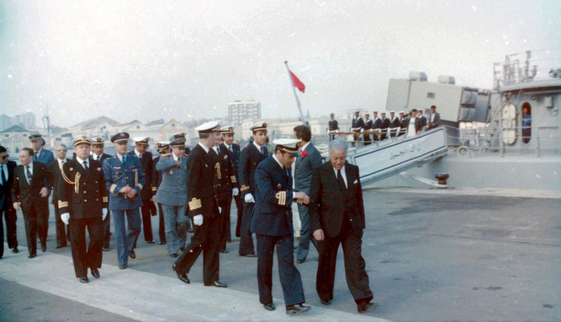 Royal Moroccan Navy Descubierta Frigate / Corvette Lt Cl Errahmani - Bâtiment École - Page 4 Clipb535