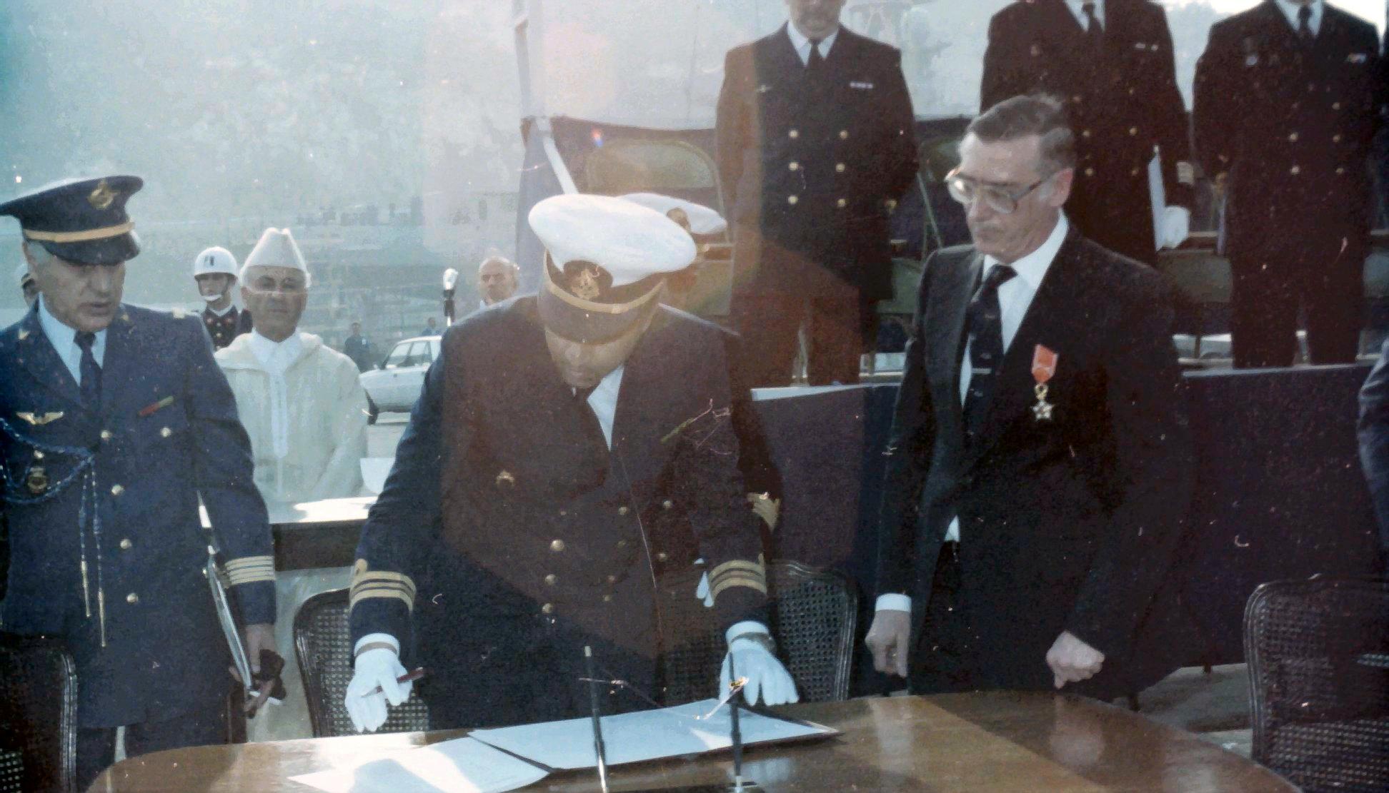 Royal Moroccan Navy Descubierta Frigate / Corvette Lt Cl Errahmani - Bâtiment École - Page 4 Clipb538