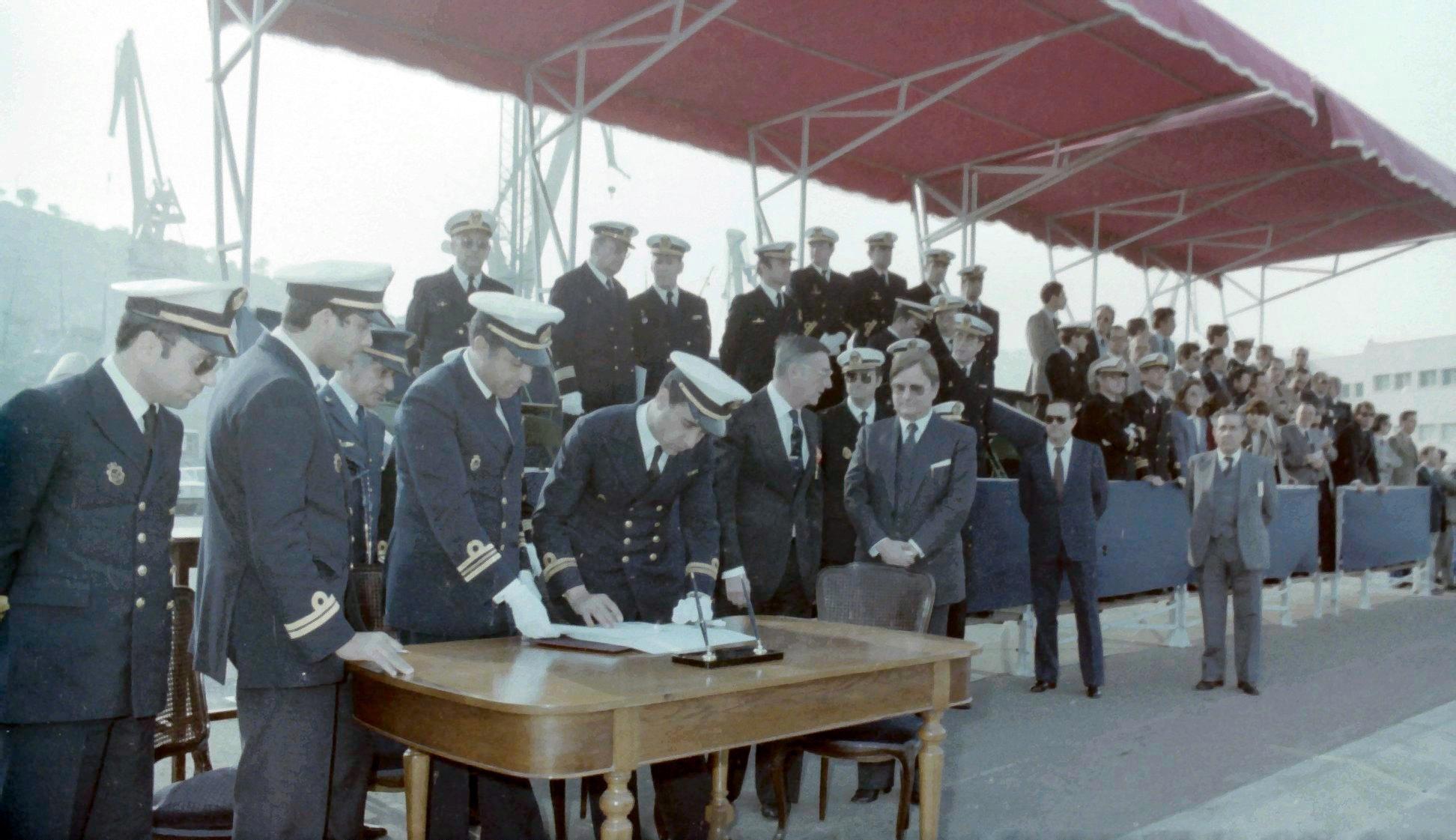 Royal Moroccan Navy Descubierta Frigate / Corvette Lt Cl Errahmani - Bâtiment École - Page 4 Clipb541