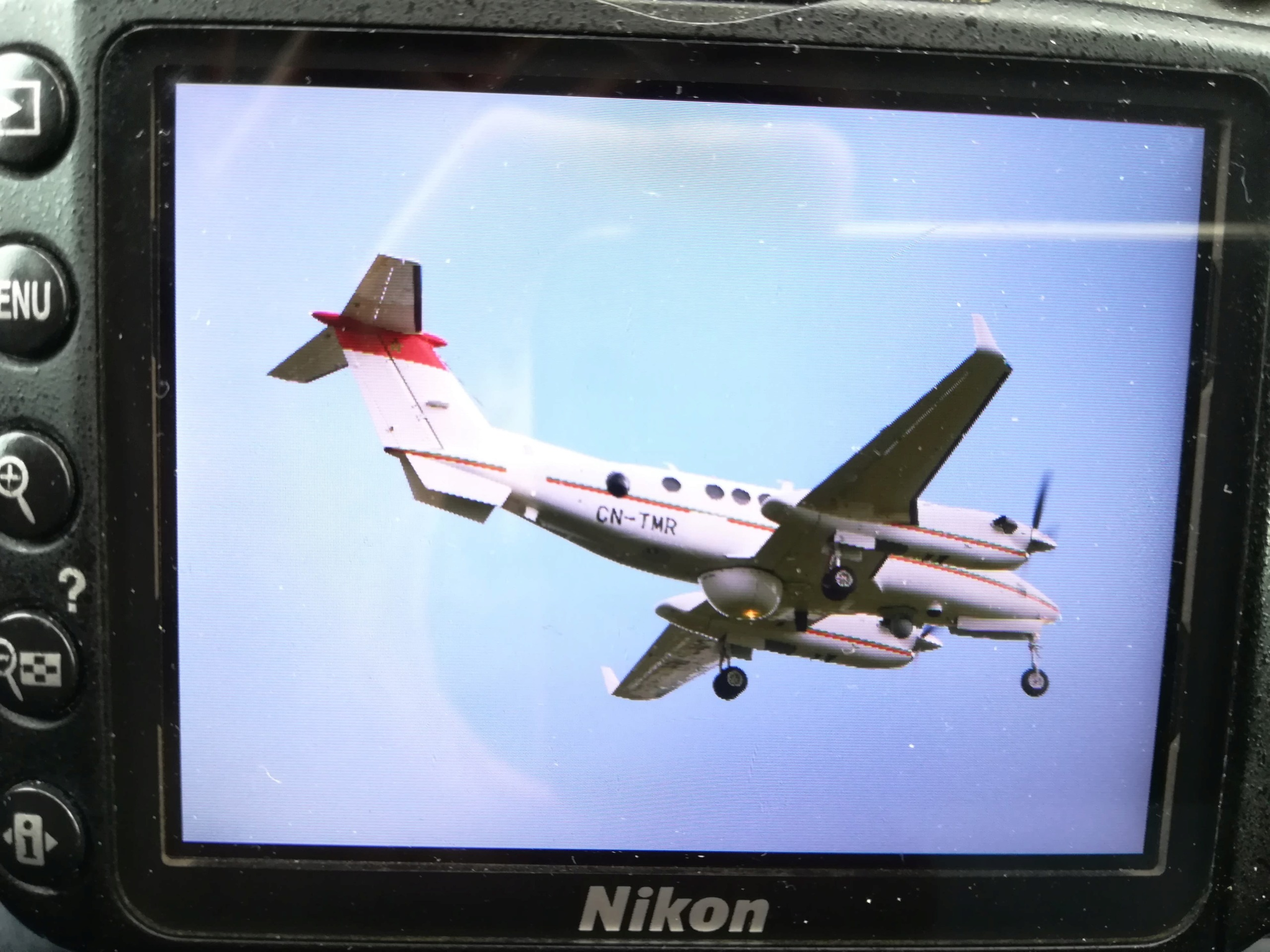 Beechcraft Super King Air 350ER - Page 3 Clipbo40