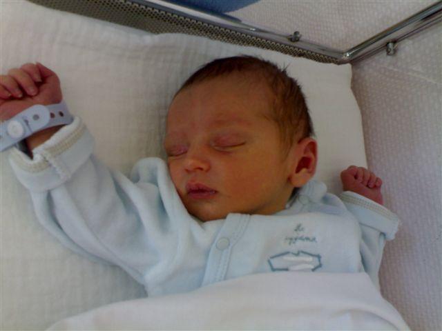 Lucas est né!!! 05082010