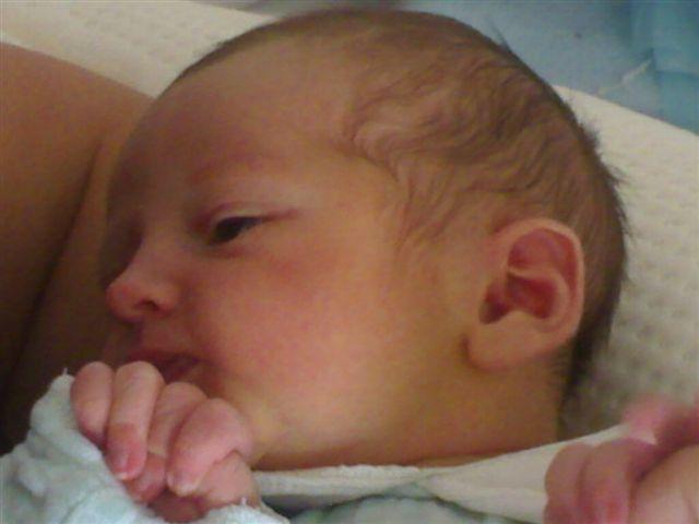 Lucas est né!!! 05082011