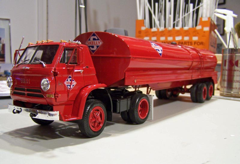 REEDITION IMC tank trailer Red_l710