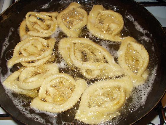 القريوش: حلويات جزائرية بالصور Griwec12