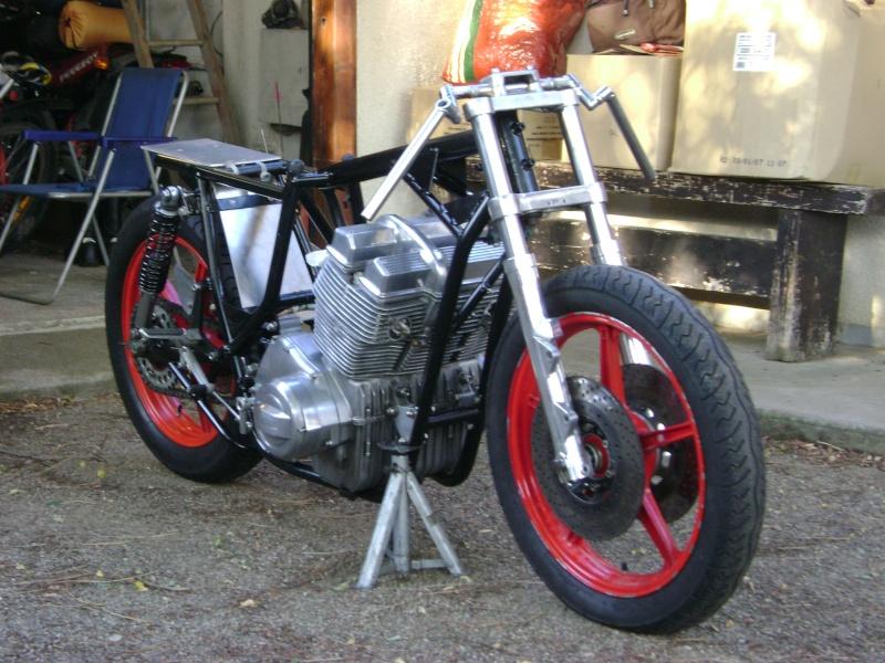 Racer Laverda, ça va être long...jusqu'en avril 2009... Dsc02710