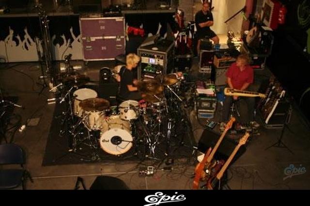CENTRO DE INFORMACION DEL NUEVO ALBUM DE SHAKIRA (ACTUALIZADO CON 4 FOTOS NUEVAS) 11 de Enero, 2009 0611