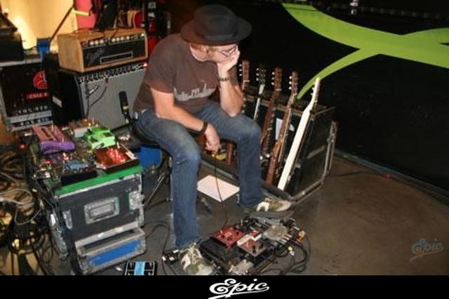 CENTRO DE INFORMACION DEL NUEVO ALBUM DE SHAKIRA (ACTUALIZADO CON 4 FOTOS NUEVAS) 11 de Enero, 2009 0710