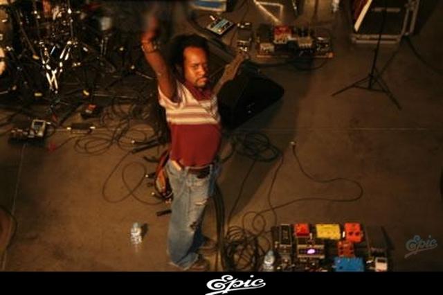 CENTRO DE INFORMACION DEL NUEVO ALBUM DE SHAKIRA (ACTUALIZADO CON 4 FOTOS NUEVAS) 11 de Enero, 2009 1010