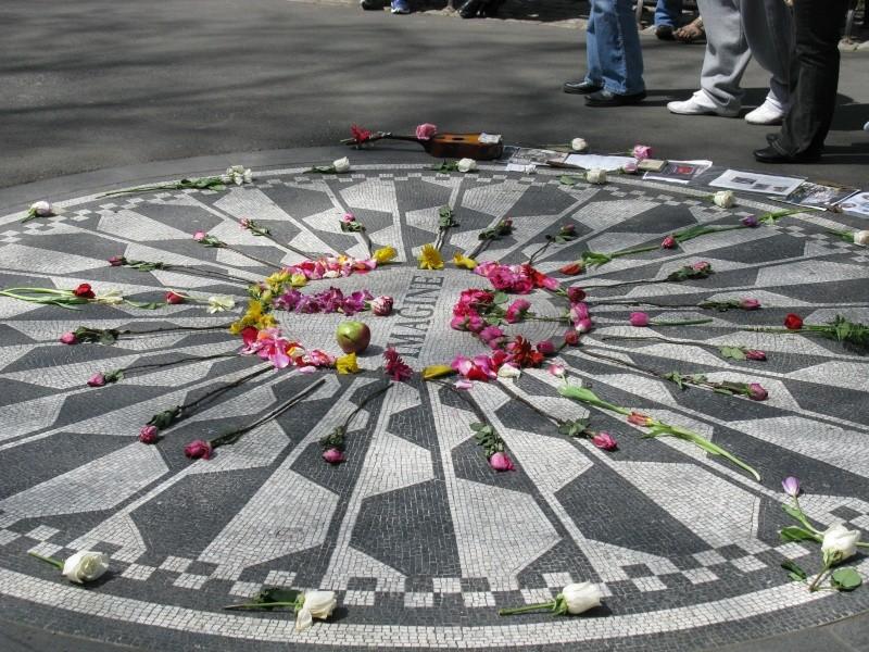 Homenaje a Jhon Lennon. (AZULEJO IN MEMORIAL) Img_0511
