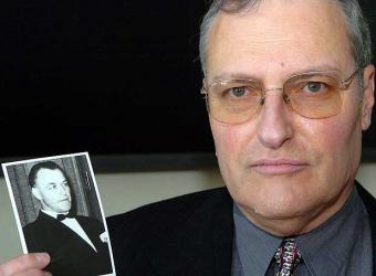 El hijo del 'Dr. Muerte' donará su herencia millonaria Cazana11