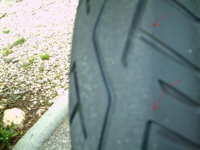 truc bizare sur mes pneus Imag0122