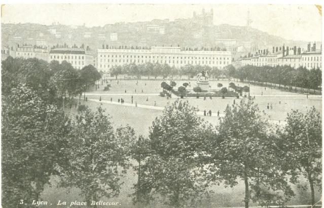 Lyon, place Bellecour 1906 Lyon_p11