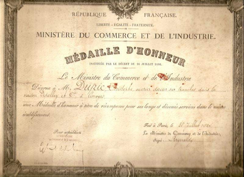 Médaillé d'honneur en 1924 mon grand-père était doreur sur tranche imprimerie Medail12