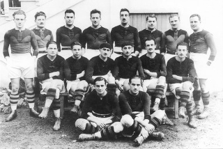 """1923.... le premier exploit devant la """"vierge Rouge"""" du Stade Toulousain. St_equ10"""