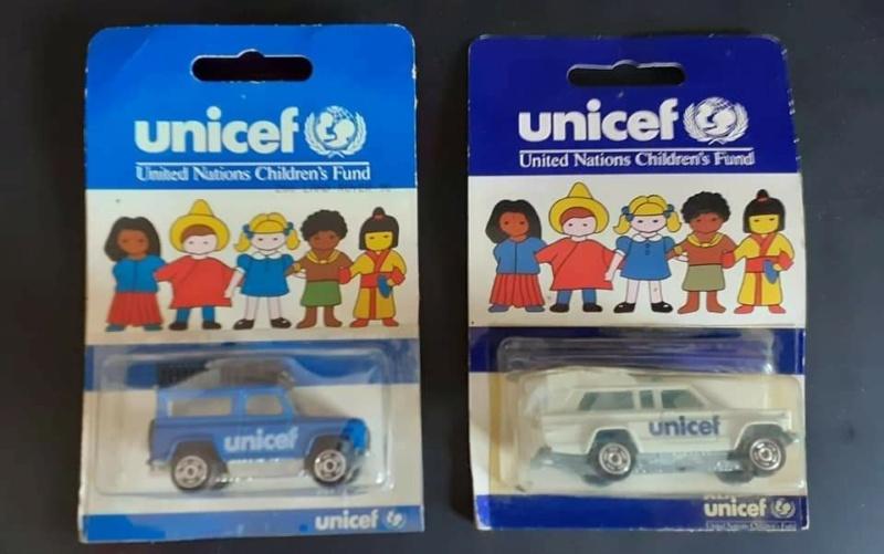 UNICEF JEEP AMBULANCE ET LAND ROVER 90 Fb_im138