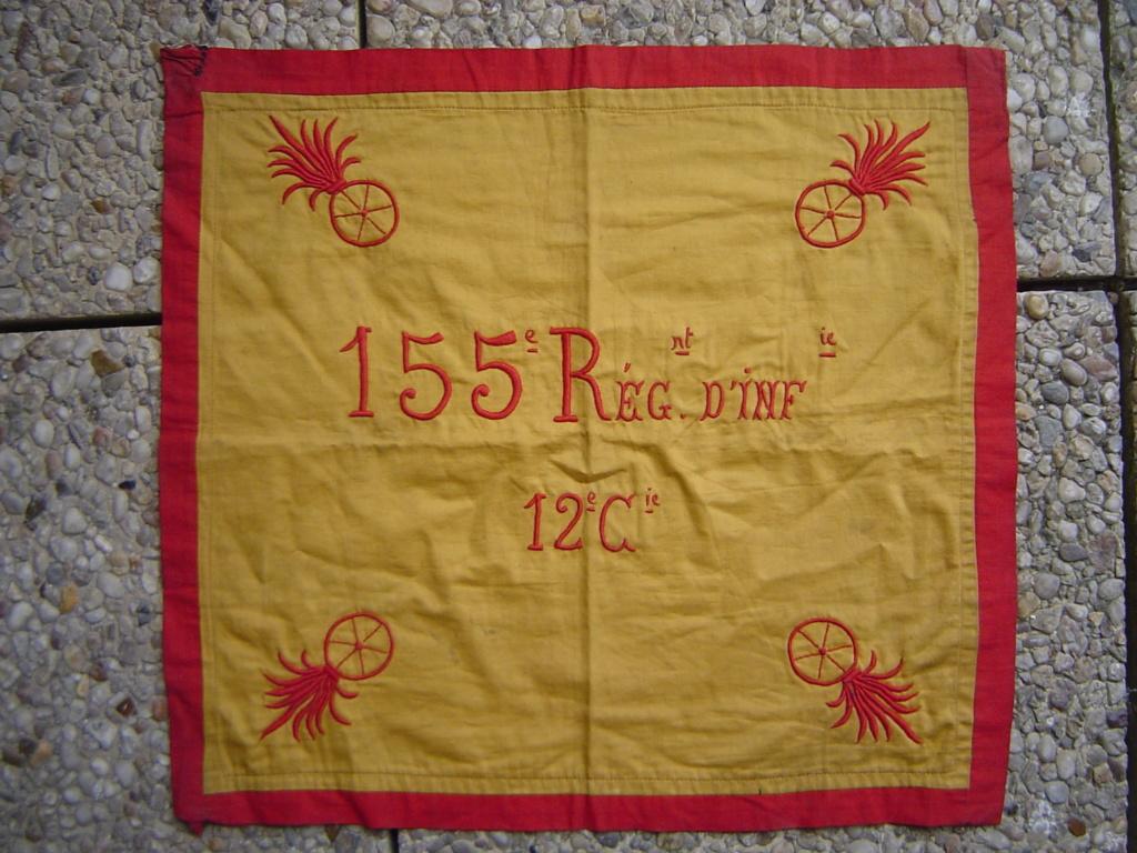 Doublette de fanions WW1 & INDO de broc Dsc00026