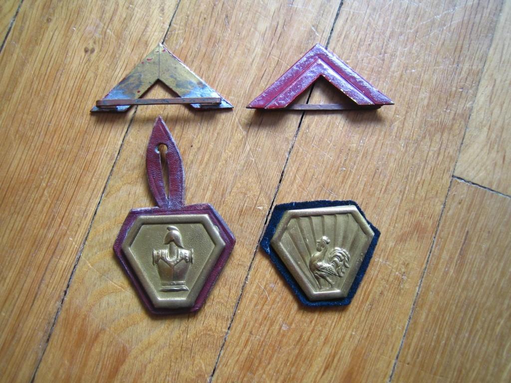 Dans la boite d'insignes de Scouts Img_3931