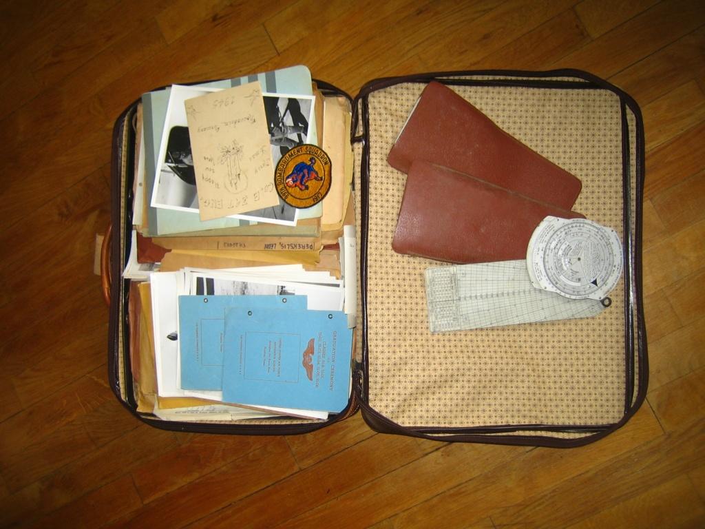 Dans la boite d'insignes de Scouts Img_3947