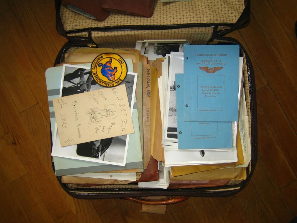 Dans la boite d'insignes de Scouts Img_3948