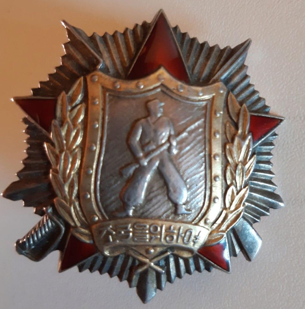 Ordres et médailles Corée du Nord Soldat11