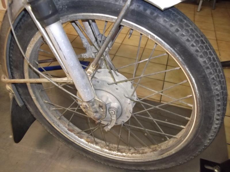 RECH roue av 17 pouces Dscf4211
