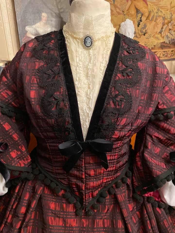 A vendre : robe de jour second empire Taille 46-48-50 78450110