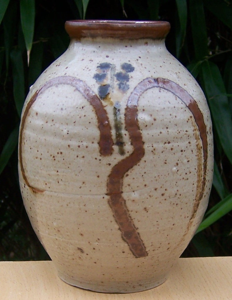 Michael Leach & Yelland Pottery M_leac10