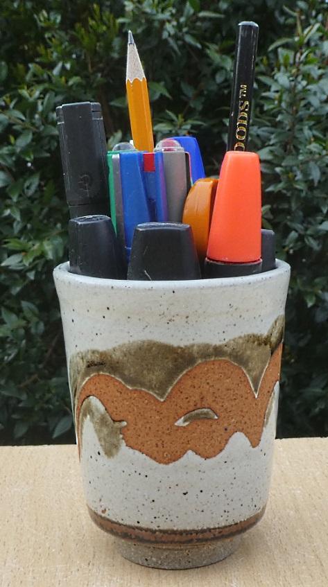 Stoneware Pen Pot, Andy Morley, Buckfastleigh Pottery  Pen_po10