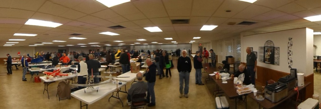 COLUMBIA (Illinois) R/C FLYING CLUB's Swap Meet Yesterday 0_16
