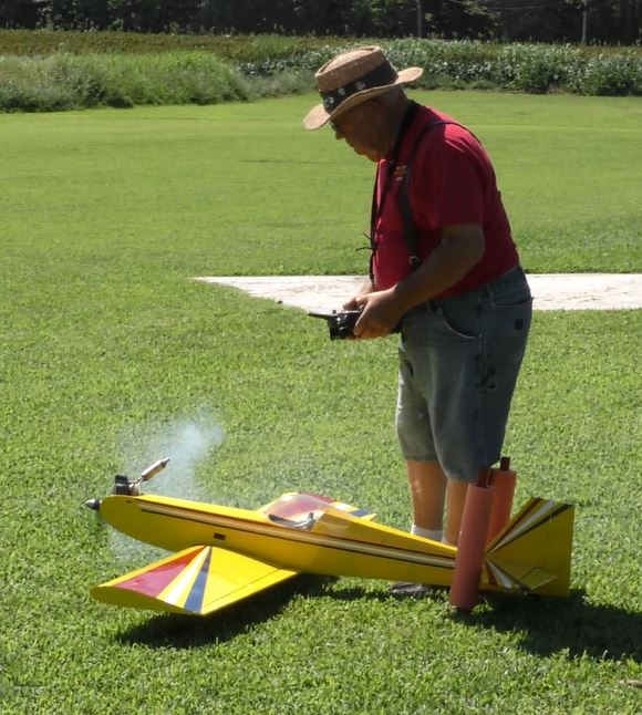 Fun with the Sky Squires on National Model Aviation Day 40_18