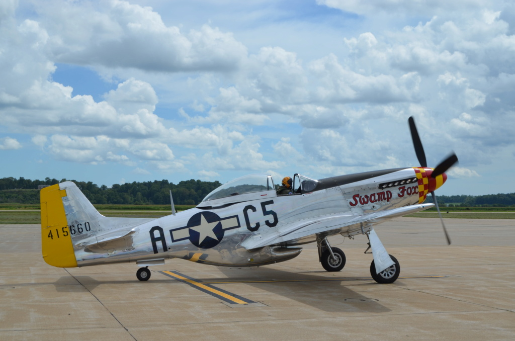 """On the Ramp Right Now:  P-51D """"Swamp Fox"""" Visits KCGI  - Page 26 Dsc_0051"""