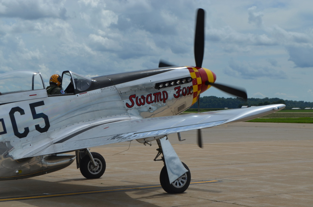 """On the Ramp Right Now:  P-51D """"Swamp Fox"""" Visits KCGI  - Page 26 Dsc_0052"""