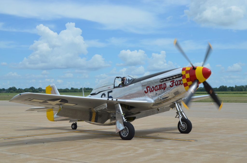 """On the Ramp Right Now:  P-51D """"Swamp Fox"""" Visits KCGI  - Page 26 Dsc_0053"""