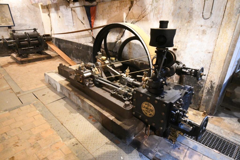 MACHINE A VAPEUR DES FORTS BELGES DE LA MEUSE EN 1914 - Page 13 70810