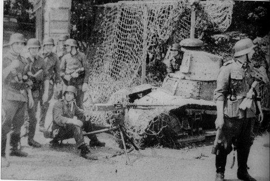 Char FT au raid de Dieppe de 1942_1/72e_ 1942-010