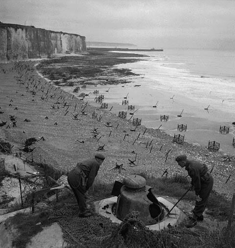 Char FT au raid de Dieppe de 1942_1/72e_ 98ce9410