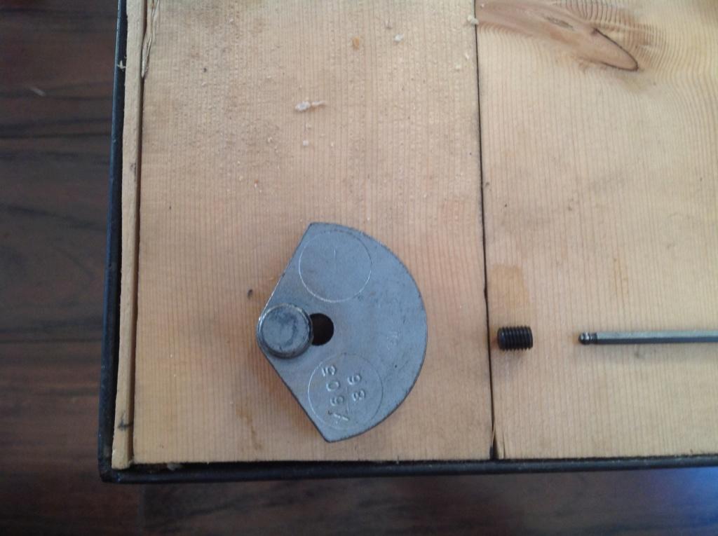 référence petit pièce d'attache du piston de compresseur Img_0010
