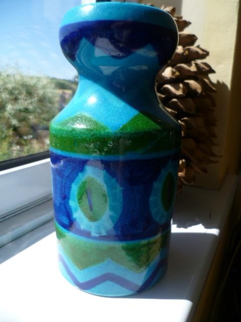 Bitossi Colours inspired Italian 8 inch vase P1320217
