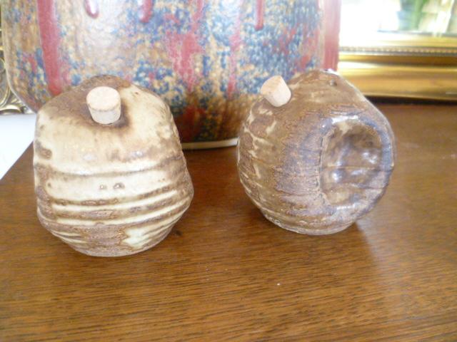 Larry Hagman Cruet/Salt and Pepper Pots P1320813