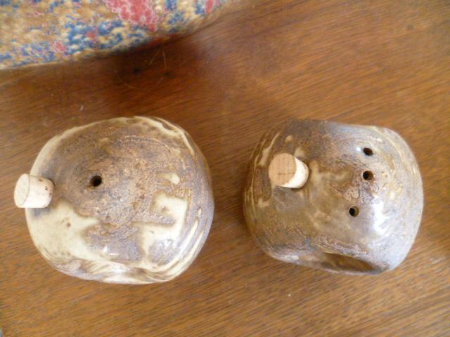 Larry Hagman Cruet/Salt and Pepper Pots P1320814