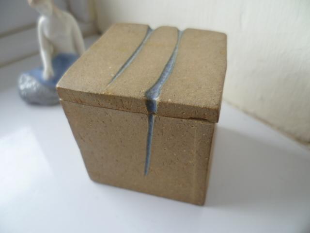 A Mevagissey Cube Pot - W mark - David Weston  P1390511