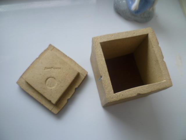 A Mevagissey Cube Pot - W mark - David Weston  P1390513