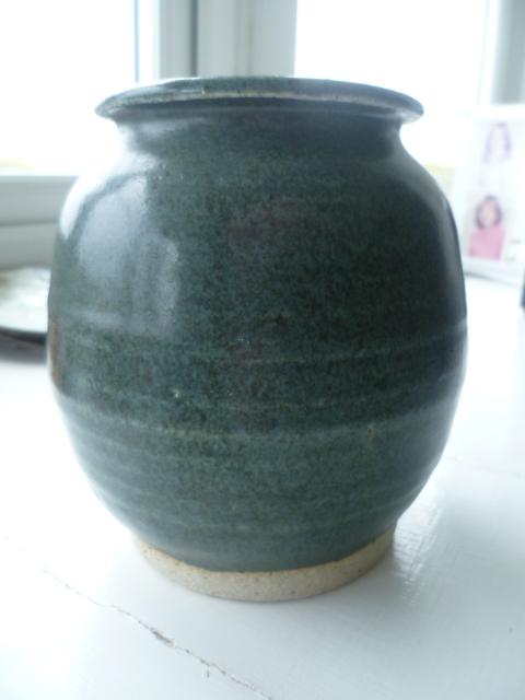 AW Initials Stoneware Pot Vase P1420810