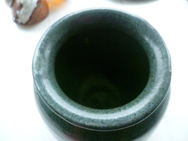 AW Initials Stoneware Pot Vase P1420811