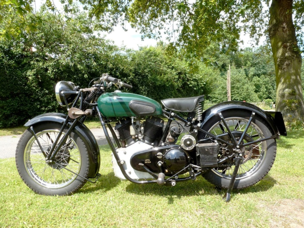 Royal Enfield bicylindre .... - Page 2 Kr114010